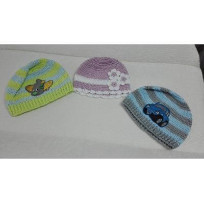 Háčkované prechodné čiapky ručnej výroby