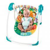 Popis produktu   Zábava na prvom mieste! Pre veselý dizajn a zvieratká zo Safari vytvorí hojdačka Safari Surprise zábavné miesto pre vaše dieťatko. Sedacia časť je vybavená mäkkou tkaninou v krásnych veselých farbách. Táto ľahko prenositeľná hojdačka je vybavená funkciami vrátane dvoch nastaviteľných polôh, dvomi sladkými hračkami, ktoré budú vytvárať zábavu vášmu dieťatku a technológiou, ktorá upokojí dieťa. Rovnako je hojdačka vybavená technológiou TrueSpeed™, ktorá sníma hmotnosť dieťaťa a tým udržuje všetkých 6 rýchlosti kývania konzistentné s rastom dieťatka. Technológia WhisperQuiet™ udržuje dieťatko spokojné a v úplnom pokoji. Konštrukcia rámu SlimFold™ poskytuje jednoduché skladanie a prenášanie hojdačky ako aj šetrí priestor. Hrazdička je odnímateľná jednou rukou, čo zabezpečí jednoduchý prístup k dieťatku. Zdobia ju dve hračky, slon a opička, ktoré zabezpečia veľa zábavy pre dieťa. Sedaciu časť je možné vyňať a dať do pračky, čo umožňuje ľahko udržovať hojdačku v čistote. Päťbodový bezpečnostný pás a protišmykové nožičky zabezpečujú bezpečnosť dieťaťa.  - technológia TrueSpeed™ udržuje šesť rýchlostí kývania konzistentné s rastom dieťaťa - dve nastaviteľné polohy - odnímateľná hrazdička pre ľahký prístup k dieťaťu a obsahuje 2 hračky - technológia WhisperQuiet™ pre pohodlie a upokojenie dieťaťa - konštrukcia rámu SlimFold™ poskytuje jednoduché skladanie a prenášanie hojdačky ako aj šetrí priestor - hojdačka obsahuje 5-bodový bezpečnostný pás - protišmykové nožičky - hojdačka vyžaduje 4 C (LR 14) batérie, ktoré nie sú súčasťou balenia - vhodné pre deti od narodenia až do 9 kg  Rozmery produktu: 55,9 cm x 36,2 cm x 12,7 cm