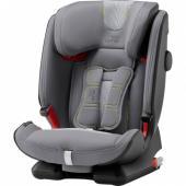 Autosedačka  ADVANSAFIX IV R bola vyvinutá tak, aby  deti od 9 do 36 kg mohli  cestovať bezpečne a pohodlne - ideálna pre  každú rodinu. Ako vaše dieťa  rastie, môžete vďaka funkcii FLIP &  GROW prepnúť z integrovaného  5bodového pásu sedačky na 3-bodový  bezpečnostný pás, a to pomocou pár  jednoduchých krokov. Navyše  autosedačka ADVANSAFIX IV R poskytuje  maximálnu flexibilitu a ochranu  pre všetky vekové skupiny vďaka svojim  pokročilým bezpečnostným  vlastnostiam. Výnimočne bezpečná - každý deň Bezpečie každého dieťaťa je pre nás veľmi dôležité. To je dôvod,   prečo autosedačka ADVANSAFIX IV R ponúka pokročilé bezpečnostné   vlastnosti, ktoré chránia vaše dieťa v každom veku. Pripútate chcete   svoje dieťa pomocou 3-bodového pásu, technológia SecureGuard drží pás v   optimálnej polohe nad panvovými kosťami, čo znižuje riziko poranenia   brucha. Okrem toho nastaviteľná technológie SICT a opierka hlavy v tvare   písmena V poskytujú ochranu v prípade bočného nárazu. Extra pohodlie - pre každú rodinu S autosedačkou ADVANSAFIX IV R je vyrastanie ešte zábavnejšie! Vďaka   funkcii FLIP & GROW môžete prepnúť z integrovaného pásu sedačky na   3-bodový bezpečnostný pás vozidla, akonáhle vaše dieťa dosiahne 15 kg  až  do hmotnosti maximálne 18 kg - je to hračka! Žiadna z častí  autosedačky  nie je odnímateľná, takže sa nič nemôže stratiť a premena  naspäť je  možná kedykoľvek. Extra mäkké polstrovanie a polohovanie  EasyRecline s  tromi nastaviteľnými polohami pre batoľa a staršie dieťa  im zaistí  pohodlie na každej ceste. Kvalita vyrobená v Nemecku Sme presvedčení, že návrh a výroba našich produktov by sa mali   nachádzať čo najbližšie pri sebe. Preto bola naša sedačka ADVANSAFIX IV R   plne vyvinutá, navrhnutá aj vyrobená v Nemecku. Na schválenie tiež   musela prejsť mnohými testami v našej modernej internej laboratóriu pre   nárazové skúšky. Vďaka tomu môžeme našim zákazníkom zaručiť maximálnu   možnú kvalitu. A to sa netýka len súčasťou sedačky, ale aj poťahov a   lát