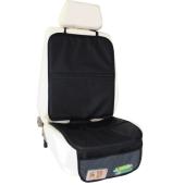 Praktická ochrana sedadlá pod autosedačku Zopa je užitočná pre  každého rodiča, ktorý chce svoje auto udržať v čistote a ochrániť ho  pred možným poškodením. Sedadlo autá chráni pred nechcenými škvrnami a  rozliatymi tekutinami. Okrem praktickej funkcie plní aj užitočnú,  sieťované vrecká v spodnej časti ochrany sedadlá sú vhodné pre uloženie  hračiek, desiaty, či iných drobností, ktoré počas cesty dieťa využíva.  Je vyrobená z odolného a umývateľného materiálu. Je dizajnovaná tak, aby  sa zmestila medzi bezpečnostné pásy vozidla. Na sedadlo sa upevňuje  pomocou praktického pásu na klip.      Čistenie je možné pomocou suchého alebo mierne vlhkej handričky.     Materiál-70% polyester 25% polyetylén 5% polypropylén     Rozmery: Operadlo: V 54 cm x Š 44,5 cm     Sedacia časť: V 43 cm x Š 44,5 cm     Bočná časť: V 16cm x Š 28 cm