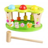 Multi-aktívna hračka, ktorá zabaví vaše dieťa. Hračka je vhodná pre deti  od veku 1 roka. Táto viacfarebná hračka napomáha dieťaťu zlepšiť  koordináciu rúk a jemnú motoriku. Okrem iného, hračka je príjemne  sfarbená a zabaví vaše dieťa. Rozmery hračky (cm)                                                      25 x 15 x 14,5                                            Rozmery balenia (cm)                          26,5 x 16,5 x 16,5                                            Vek                          1 – 3 roky                                            Materiál                          čajovníkové drevo + MDF                                            Počet dielov                          5