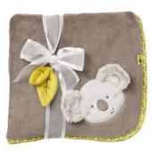 Příjemně měkoučká a jemná deka pro Vaše děťátko. Díky  veselému motivu kamarádské koaly si ji zamiluje každé děťátko. Příjemná  kombinace hnědého základu a jemných zelených detailů lemu deky s  roztomilým motivem mravenců je vhodná jak pro holčičku, tak pro  chlapečka. Pro příjemné chvíle tulení, pro Vaše zlatíčko. Rozměry: 100 x 75 cm Péče: Možné prát v pračce při teplotě 30 ° C.