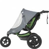 Vodě a větru odolná nylonová pláštěnka s PU potahem udržuje vaše dítě v suchu a chráněné před povětrnostními vlivy.     Díky průsvitnému voděodolnému okénku z termoplastického polyuretanu vaše dítě vidí svět a vy zase vidíte své dítě     Snadno se bezpečně připevní na kočárek     Strategicky umístěné větrací otvory