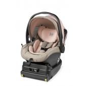 PRIMO Viaggio i-Size + Base i-Size Nová generácia autosedačiek pre novorodencov.  Primo Viaggio i-Size je pohodlná, útulná a ľahko sa inštaluje do vášho auta. Umožňuje dieťaťu cestovať dlhšie proti smeru jazdy: od narodenia do dĺžky 83 cm a až 13 kg (15 mesiacov). Schválené podľa novej normy ECE R 129 i-Size. Komplet so základňou i-Size.  Vrátane základne i-Size Základňu možno v pokračovaní použiť i pre autosedačku Prio Viaggio FF 105  Nastaviteľná ochrana proti bočnému nárazu (ASIPM) Ochrana proti bočným nárazom. Opierka hlavy možno ľahko nastaviť do 5 pozícií.  Vložka na tri obdobia Prispôsobuje sa, ako dieťa rastie, zaručuje pohodlie a bezpečie.  Bezpečnosť a pohodlie 3-bodové systém pásov s mäkkými ramennými vypchávkami. Ergonomické sedadlo s anatomickým vankúšom pre novorodenca.  Stupňovito nastaviteľná strieška Veľká rozšíriteľná strieška s UPF 50+ a so sieťovinou pre ventiláciu.  Kinetic pods Pomáhajú odvrátiť od dieťaťa sily v prípade bočného nárazu.  EPS (1) - EPP (2) - integrované vložky Vylepšená ochrana pred absorpciou nárazov.  Z auta na prechádzku Automatický systém upevnenia na podvozky Peg Perego.  Pozrite sa na zoznam modelov automobilov vybavených pripájacím systémom ISOFIX. https://en.pegperego.com/store/pegen/en/  Rozmery: 44 D x 66 V x 67 H Hmotnosť: 4,5 kg (Primo Viaggio i-Size) + 5,2 kg (základňa i-Size)