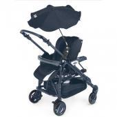 Štýlový slnečník zaistí dieťaťu v kočíku príjemný tieň a ochráni aj pred nečakanou letnou prehánkou.  Je vyrobený z nepremokavej látky, punc elegancie mu dodávajú kryštálovej aplikácie.  Pomocou tlačidiel ho možno nastaviť v ľubovoľnej smere.  Univerzálny systém upevnenia umožňuje použitie slnečníka s ktorýmkoľvek kombinovaným či športovým kočíkom CAM. Rozmery:  V rozloženom stave: O 71 cm, výška 73 cm  V zloženom stave: O 5 cm, výška 53 cm  Váha: 0,5 kg